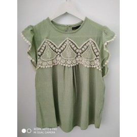SHORT SLEEVE BLOUSE WITH EMBROIDE