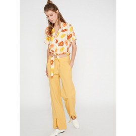 YELLOW MID-RISE STRAIGHT-LEG TROUSERS WITH FRONT SPLIT HEMS
